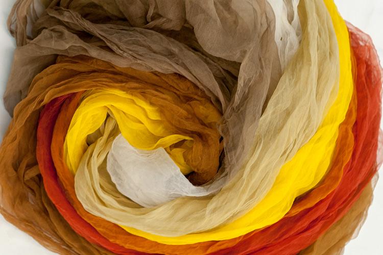 """Imatge exposició, """"Genealogies. Identitats tèxtils""""."""