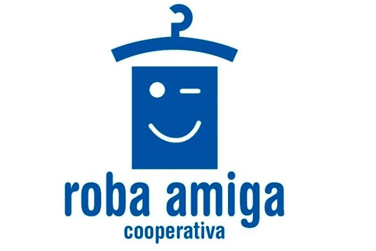 """Imatge xerrada """"Els contenidors taronges de Roba Amiga"""""""