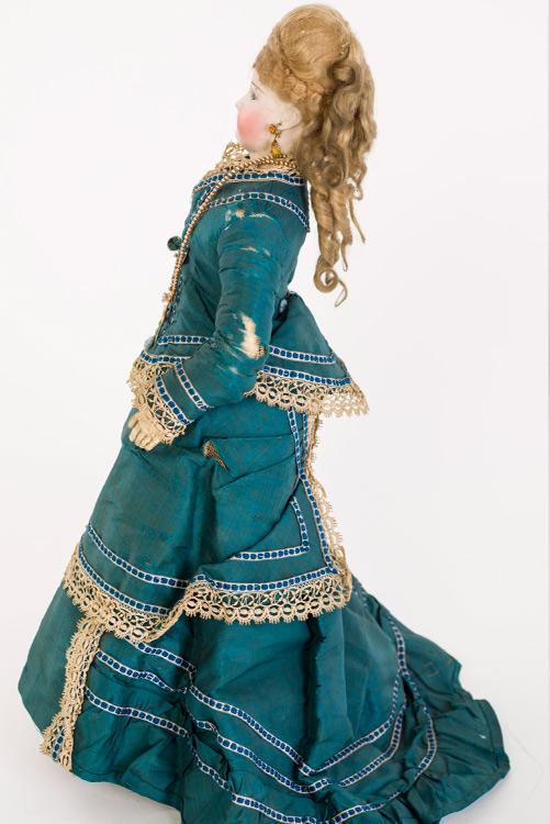 Imatge nina maniquí. Núm. Reg. 22425 de Museu Tèxtil.