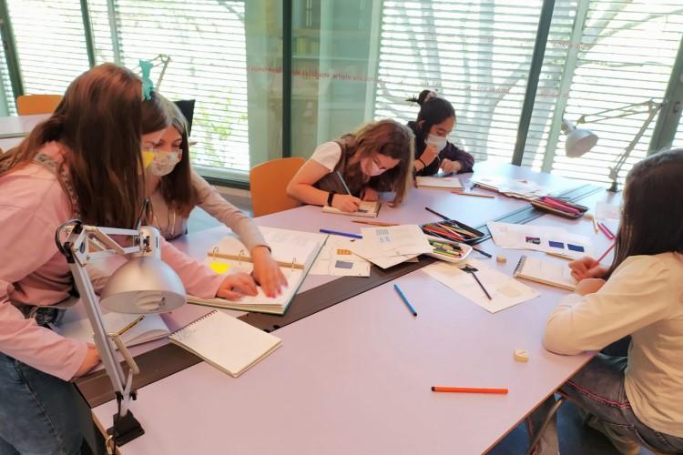 Imatge taller Fashion School, març 2021