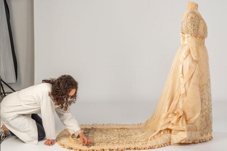 Imatge vestit de núvia modernista: Juana Valls modista de Barcelona.